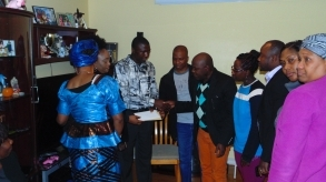 Edmonton: Sierra Leoneans donate $14,000 to bereaved Liberian families